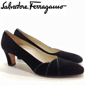 Salvatore Ferragamo Black Suede Pumps Sz 8AAAA